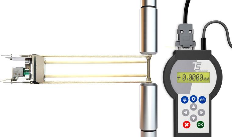 Внешний вид экстензометра для разъемных лабораторных печей ТС703-3448 с базовой длиной 25 мм