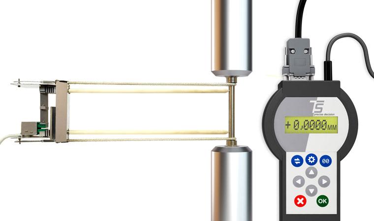 Внешний вид экстензометра для разъемных лабораторных печей ТС703-3448 с базовой длиной 50 мм
